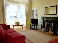 Ref 794: Gorgeous & spacious one bed, second floor property in desirable Trinity, avail 10th August