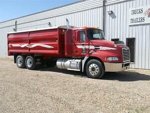 2008 Mack Pinnacle Grain Truck