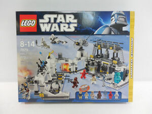 LEGO Star Wars Limited Edition Set #7879 Hoth Echo Base RETIRED