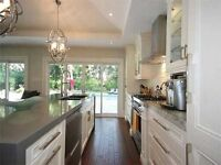 Stunning Bungalow For Sale In Clarkson, Mississauga.