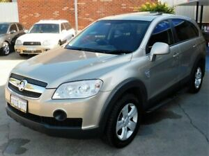EXTRA LOW KMS ***7 SEATS*** Holden CAPTIVA ***AWD AUTO V6***