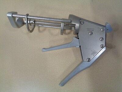 Howmedica 6205-1-500 Bone Cement Gun