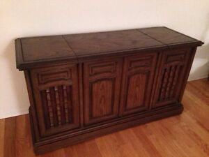 Vintage Solid Wood carved stereo console Kitchener / Waterloo Kitchener Area image 1
