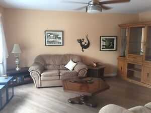 Fully Furnished Short Term Rental ~ Steps to the Waterfront Sarnia Sarnia Area image 2
