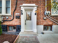 $1200 / 1br - 779ft2 - Awesome renovated 1 bdrm apartment, amaz