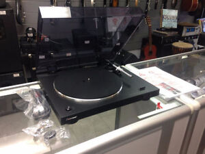 Table tournante Pioneer PL-30-K COMME NEUF seulement 249.95$!