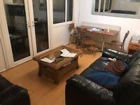 Spacious split level 4 bedroom property to rent with garden