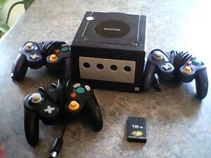 Gamecube With 3 Controllers And 1019 Block Memory Card