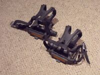 Bicycle pedals - plastic
