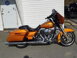 2014 Harley Davidson Street Glide Special MINT Only 16000kms!!!!