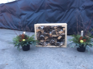 Beautiful Holiday Planters Text/Call Paul @ (416) 899-0578