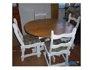 Deux tables de nuit antique et mobilier cuisine en chêne .