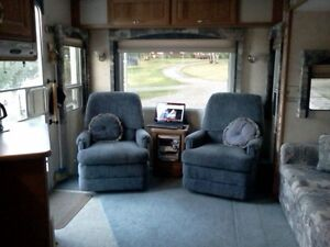 Topaz Triple E touring edition 5th wheel Prince George British Columbia image 5