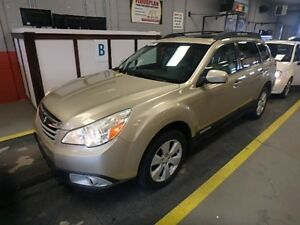 2010 Subaru OUTBACK 2.5 i PANARAMIC MOON ROOF!