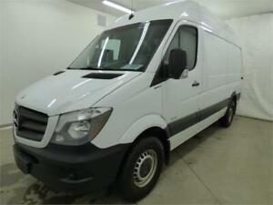 "2015 MERCEDES-BENZ SPRINTER 2500 144"" HIGH ROOF CARGO (90000 KM)"