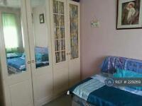 1 bedroom in Queenscroft Road, Eltham, SE9