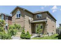 3BDS+1 DEN HOME & BRIGHT LAYOUT CLOSE TO REC AMENITIES