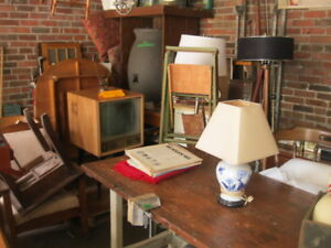 MEGA VENTE DE GARAGE A VERDUN - ANTIQUE    RETRO