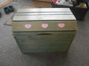Various Boxes/crates/chests