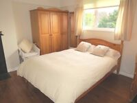 AVAILABLE SPACIOUS AND MODERN FAMILY OR GOOD SIZE FOR SHARERS SW20!!