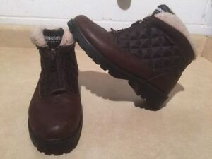 Women's Denver Hayes Insulated Winter Boots Size 9