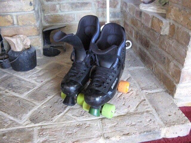 Bauer turbo skates size 9 uk