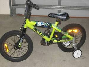 KID'S BIKE WITH TRAINER WHEELS Albany Albany Area Preview