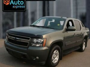 2011 Chevrolet Avalanche LT, 5.3L V8, 4x4, Accident Free, Cloth