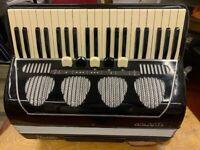S/Hand Galanti 120 Bass 4 Voice Accordion
