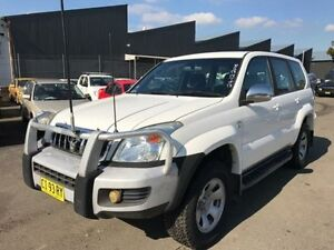 2008 Toyota Landcruiser Prado KDJ120R 07 Upgrade GX (4x4) White 6 Speed Manual Wagon