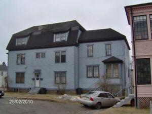 Large 2 Bedroom, 2 Story Unit, West, Off Lancaster Ave,