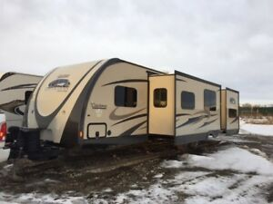 2015 Coachmen 310 BHDS, 35'7, includes Custom Solar Pkg
