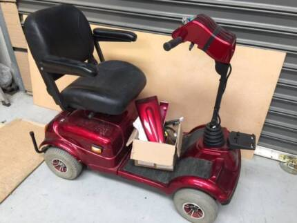 Electric scooter for parts Rascal302LE