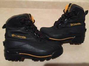 Kids Columbia Winter Boots Size 4 London Ontario image 1