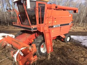 White 8900 Harvest Boss Combine