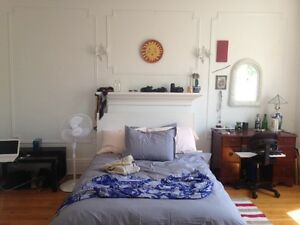 sunny AUG sublet $490 all incl. w/ neg. end dates-OUTREMONT