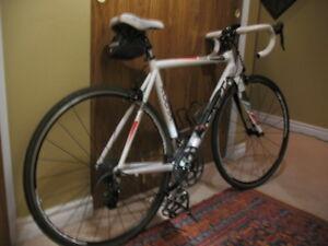 À vendre vélo route Kuota Korsa