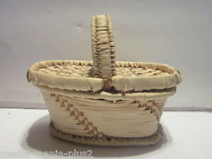 VINTAGE-HAND-WOVEN-SMALL-PICNIC-WICKER-BASKET