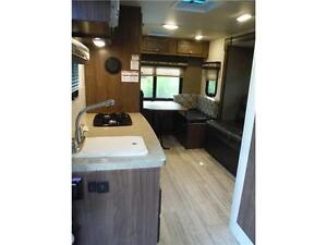 2017 Palomini 179RDS Ultra Lite Travel Trailer with Slideout Stratford Kitchener Area image 15