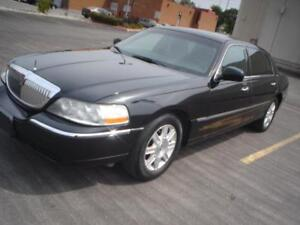 2011 Lincoln Town Car Executive L w/Livery Pkg