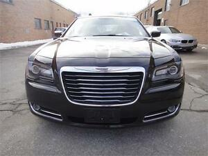 2013 Chrysler 300 300S MINT CONDITION,VERY CLEAN.5.7 L HEMI ENGI