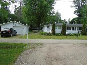 Beautiful Cottage for sale in Luskville pq