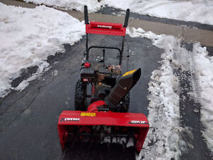 "MTD 28"" 10.5hp Snowblower Cambridge Kitchener Area image 1"