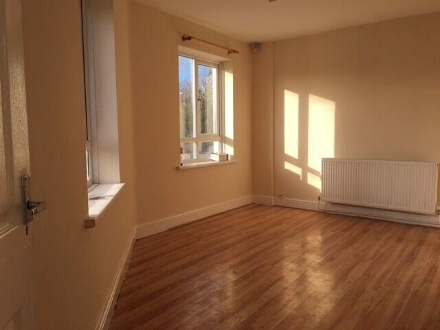 3 Bedroom first floor flat to let in Slough