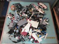 APPROX 10lb BOX OF BULK STAR WARS LEGO PIECES