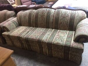 3 PIECE SOFA SET; SOFA, LOVESEAT AND CHAIR; VERY GOOD CONDITION