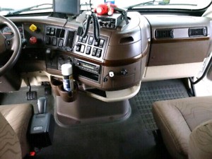 TRUCK SHAMPOO(HWY TRUCK INTERIOR AND CAR DETAILING
