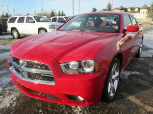 2011 Dodge Charger SXT, RWD, LEATHER, SUNROOF. ONLY 20,946 KMS