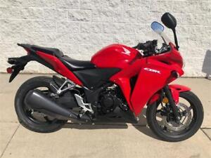 2013 Honda CBR250R - LOW MILEAGE!