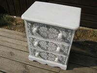 Printed White Chest of drawers